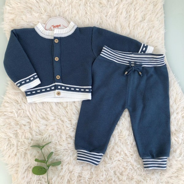 Conjunto de linha azul jeans com listra branca